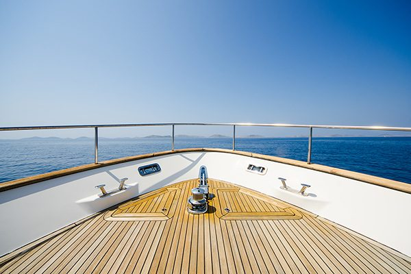 how to get work on a private yacht
