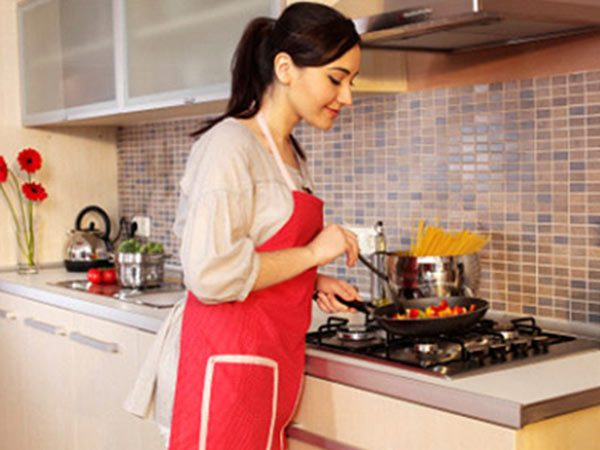 Travelling Nanny/Housekeeper/Cook – London