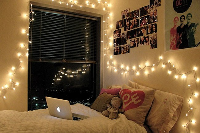 fairy lights in bedroom