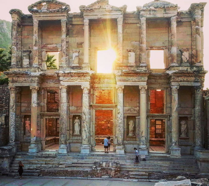 Library of Celsus – Turkey