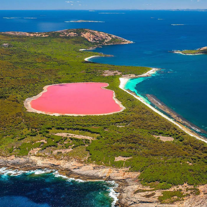 Lake Hillier, Middle Island – Australia