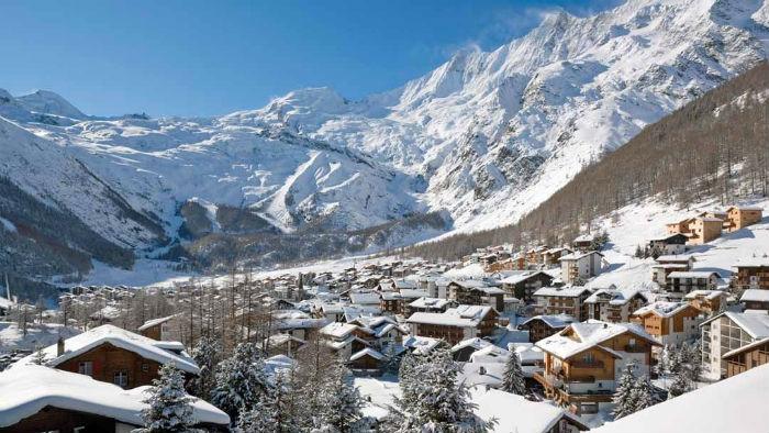Chalet Couple – Saas Fee, Switzerland – Seasonal