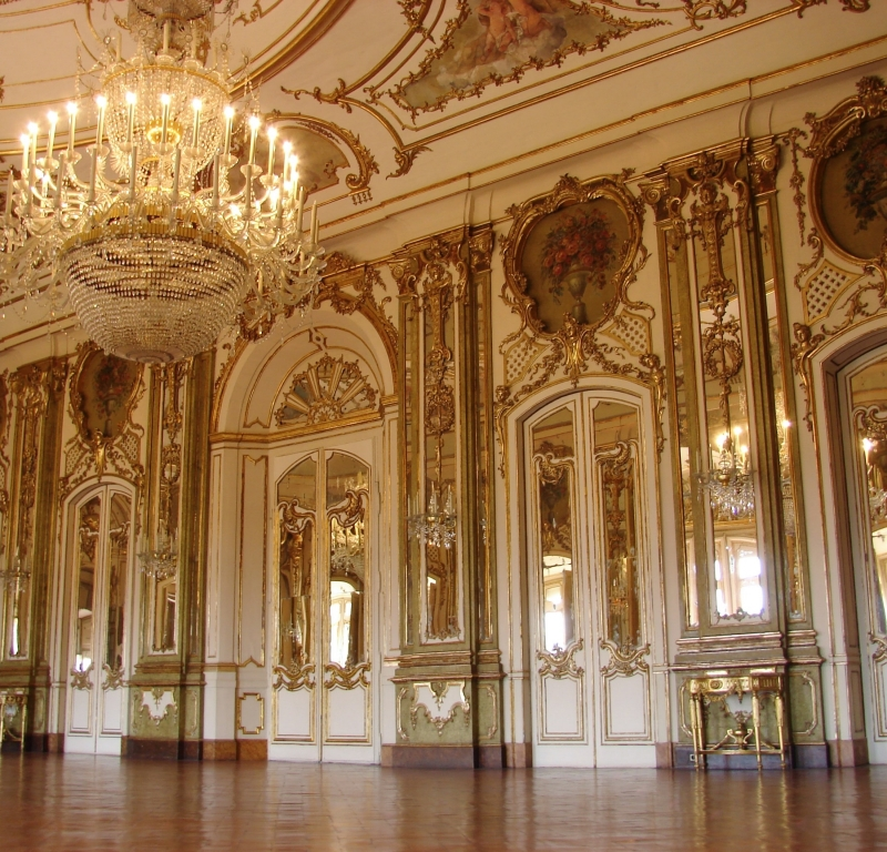 These Are the 75 Most Popular Palaces in the World, According to Instagram