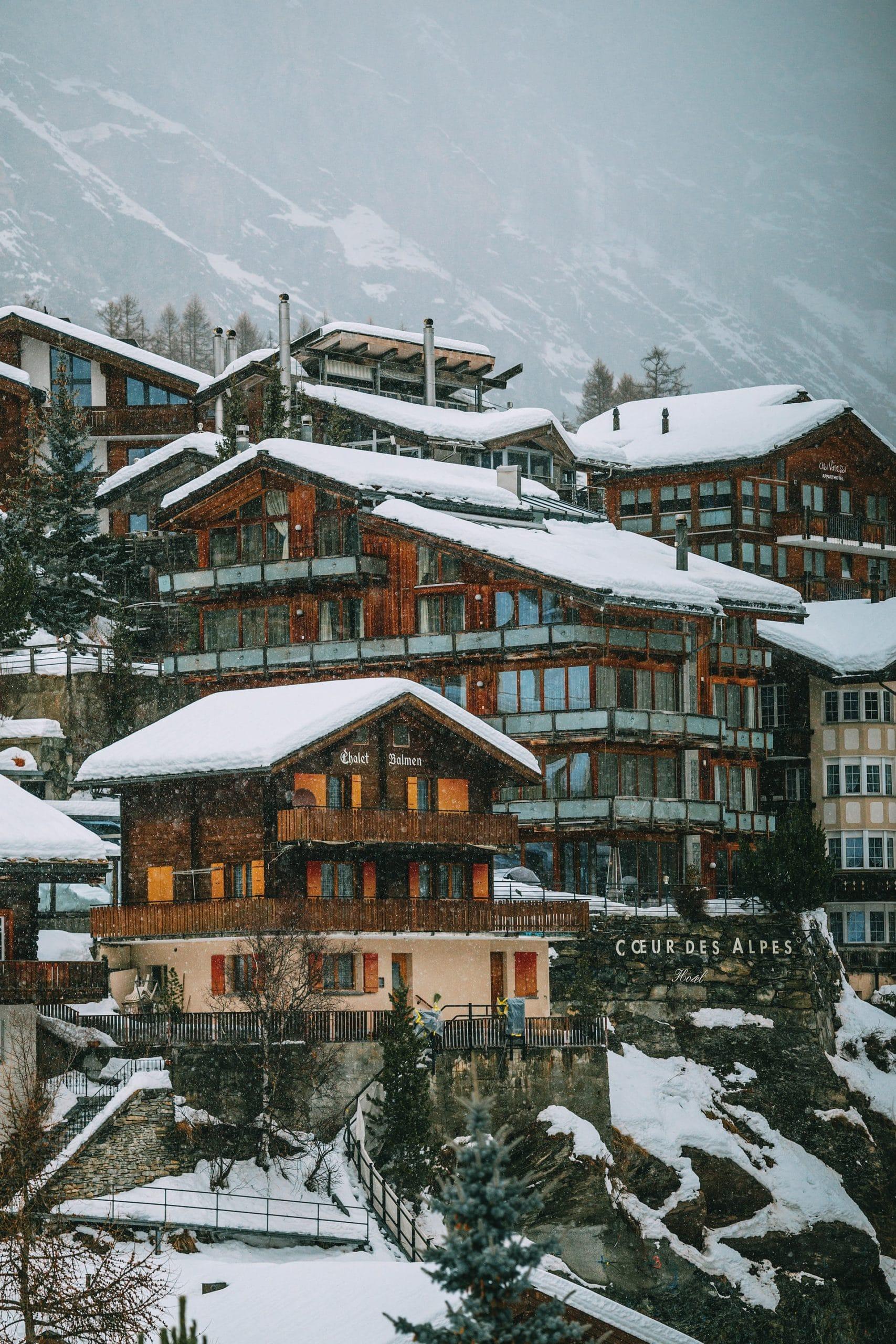 Tips for Securing a Ski Chalet Job
