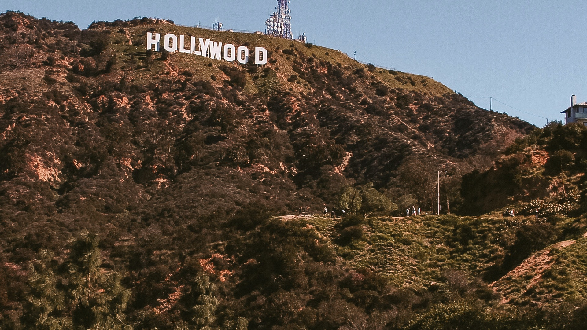 Season 1   Episode 19: Carolyn Emole on life as a celebrity PA/Estate Manager in the heart of Los Angeles